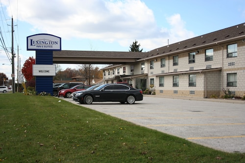 Lexington Inn & Suites Windsor