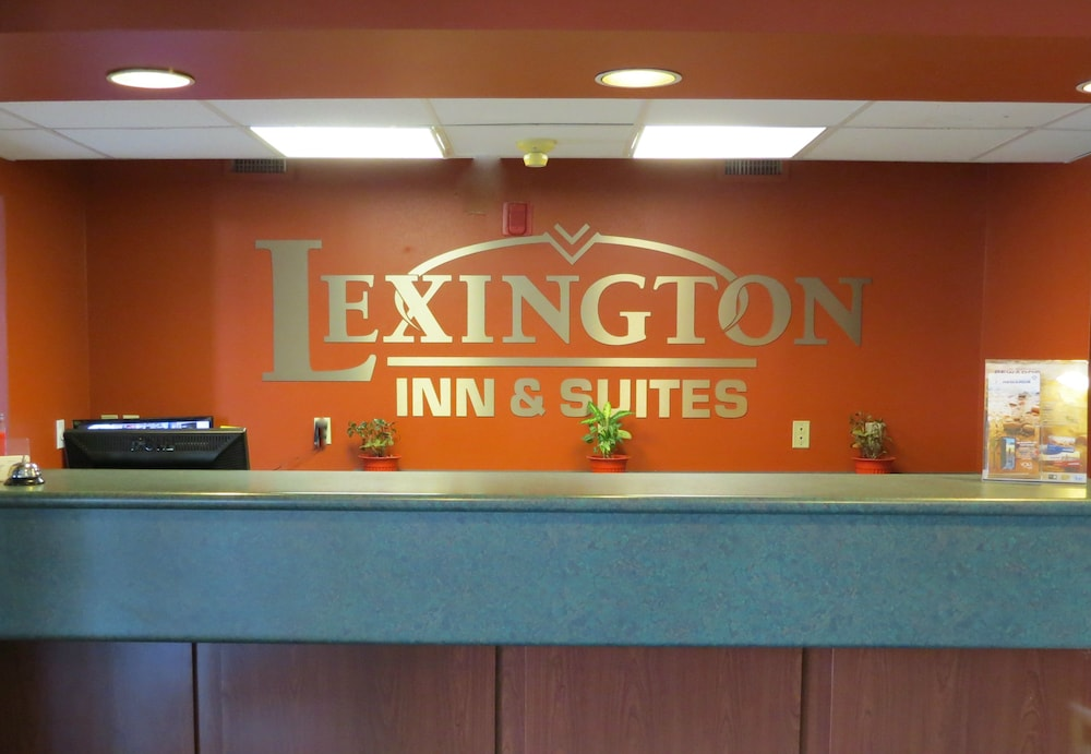 Reception, Lexington Inn & Suites Windsor