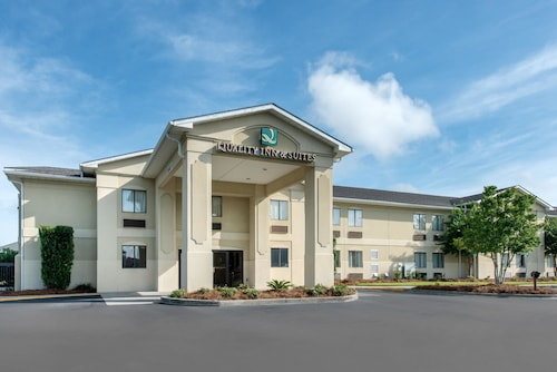 Great Place to stay Quality Inn and Suites Savannah North near Port Wentworth