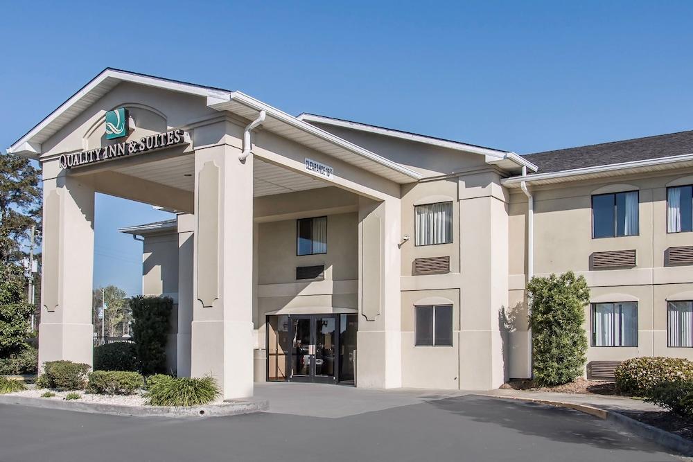 Quality Inn Suites Savannah North Port Wentworth Ga 7220 Highway 21 31407