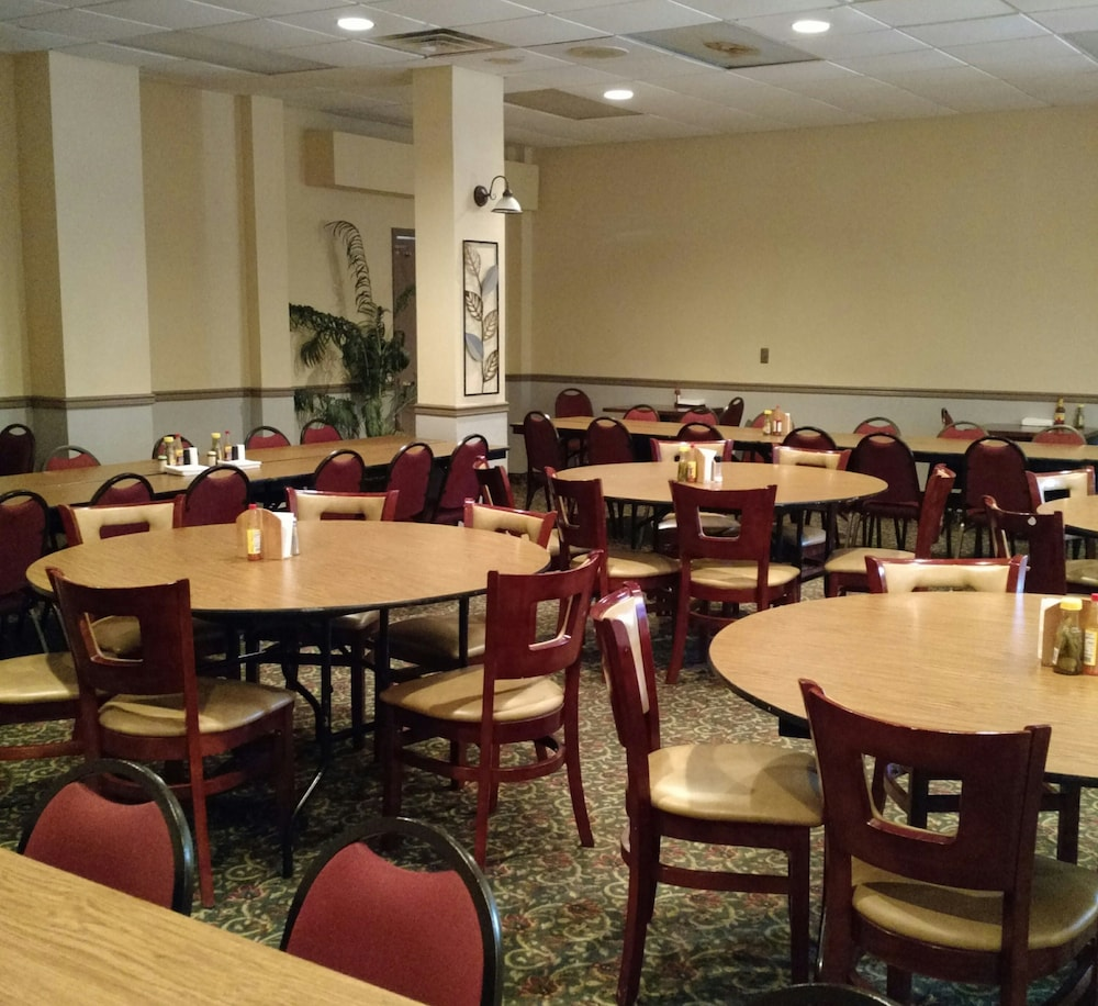 Restaurant, Quality Inn & Suites Conference Center