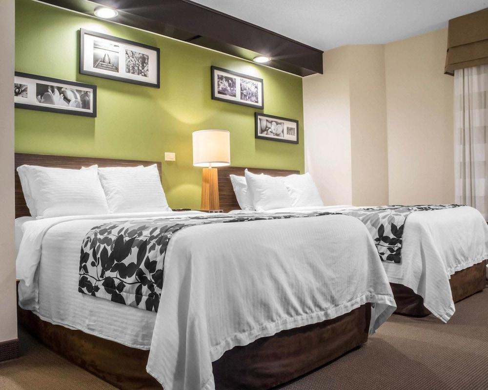 sleep inn bracebridge 2019 room prices 66 deals. Black Bedroom Furniture Sets. Home Design Ideas