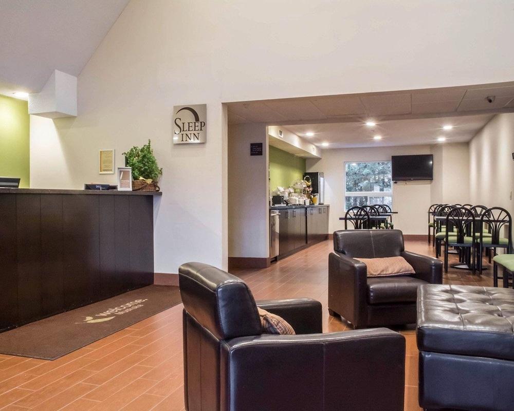 sleep inn bracebridge 2019 room prices 108 deals. Black Bedroom Furniture Sets. Home Design Ideas