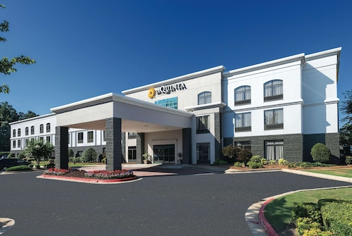 La Quinta Inn & Suites by Wyndham Kennesaw