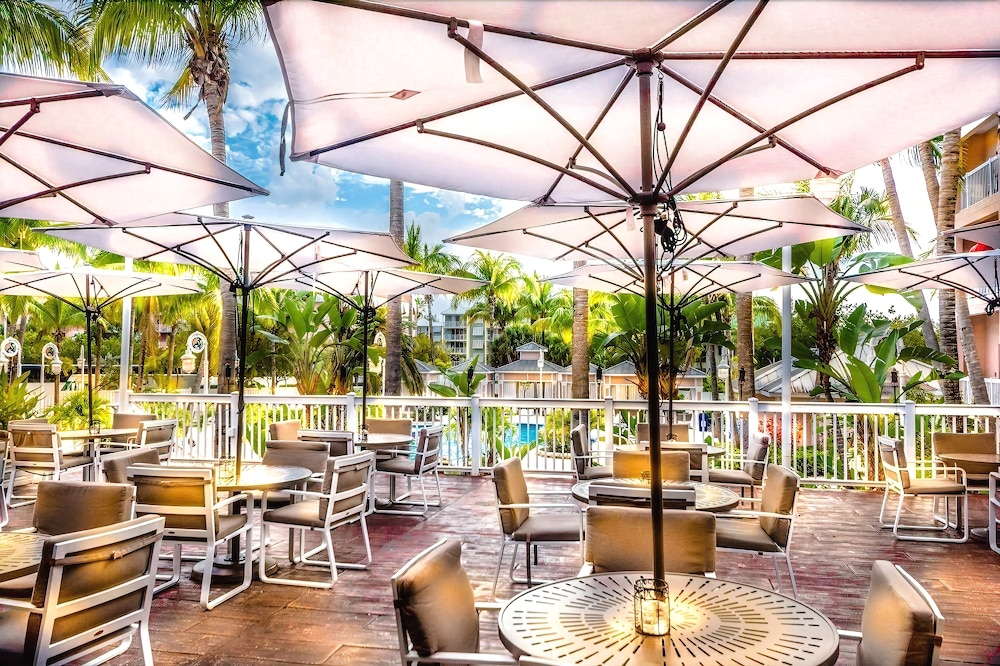 Outdoor Dining, DoubleTree Resort by Hilton Grand Key - Key West