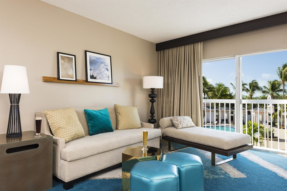 Living Room, DoubleTree Resort by Hilton Grand Key - Key West