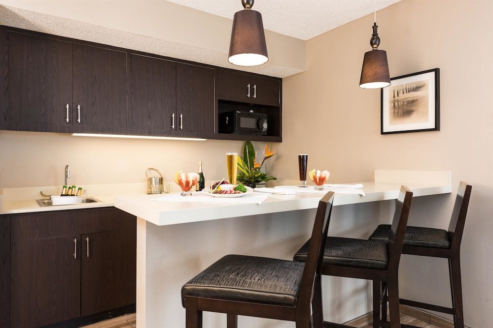 Private Kitchen, DoubleTree Resort by Hilton Grand Key - Key West