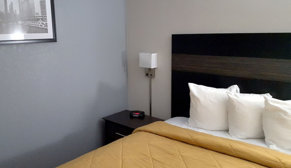 Quality Inn Syracuse Carrier Circle 2019 Room Prices 56 Deals