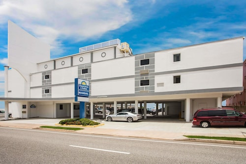 Days Inn by Wyndham Ormond Beach Mainsail Oceanfront
