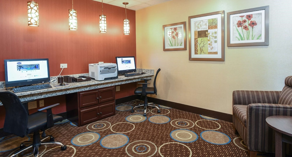 Business Center, Hampton Inn Dry Ridge