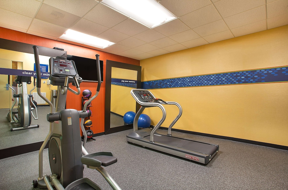 Fitness Facility, Hampton Inn Dry Ridge