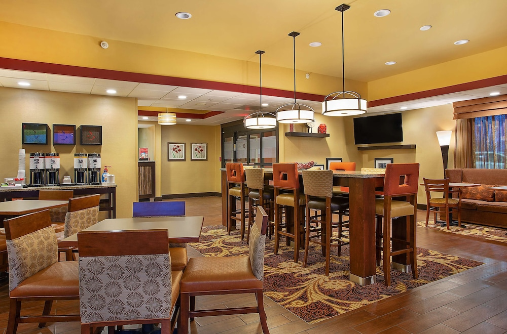 Lobby, Hampton Inn Dry Ridge