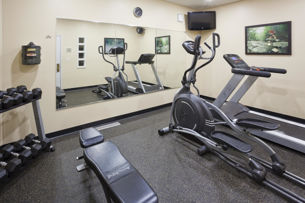 Fitness Facility, GrandStay Residential Suites Hotel- Saint Cloud