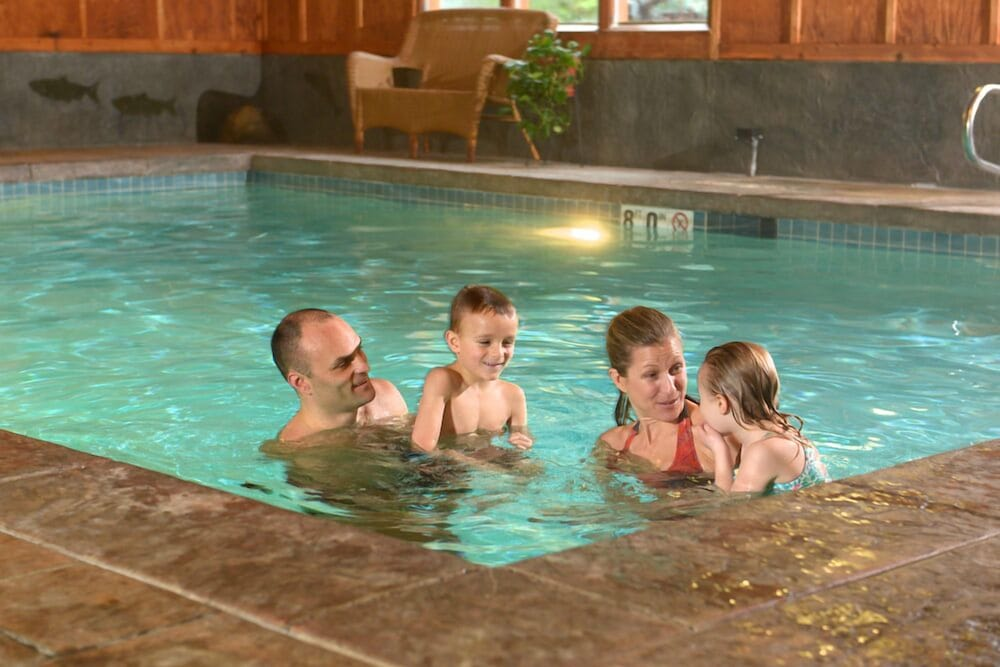 Pool, Lake Quinault Lodge