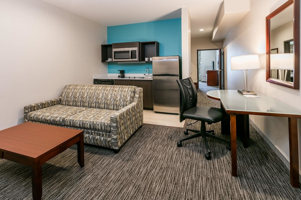 Room, Hawthorn Suites by Wyndham DFW Airport North