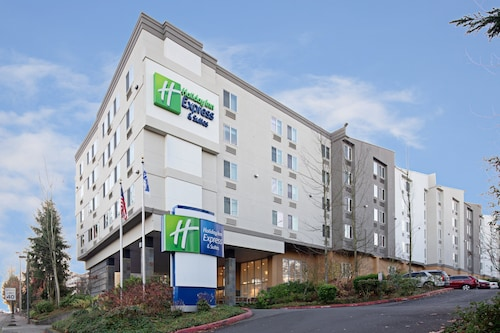 Holiday Inn Express Hotel & Suites SeaTac
