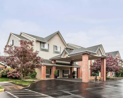 Great Place to stay Comfort Inn & Suites Tualatin - Portland South near Tualatin