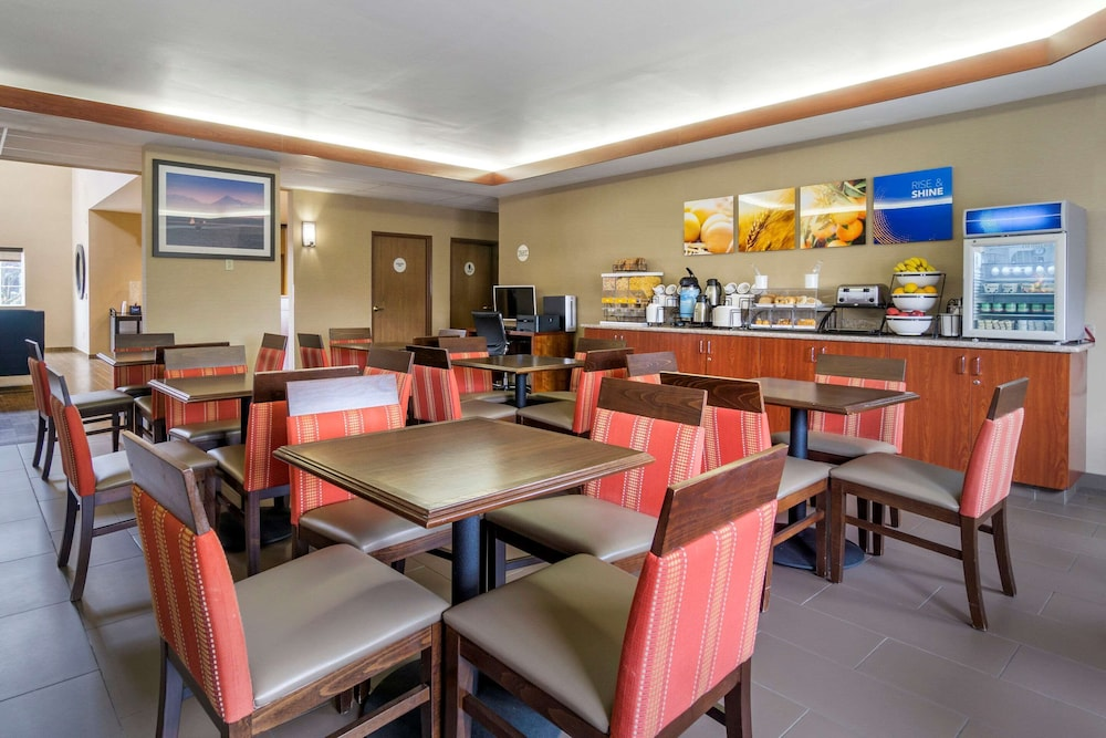 Breakfast Area, Comfort Inn Tacoma - Seattle