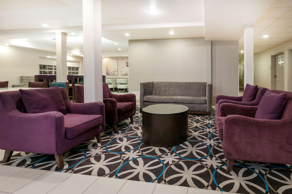 Lobby, La Quinta Inn & Suites by Wyndham Rockwall