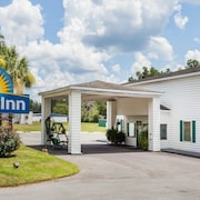 Days Inn by Wyndham Hampton