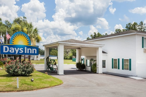 Great Place to stay Days Inn by Wyndham Hampton near Hampton