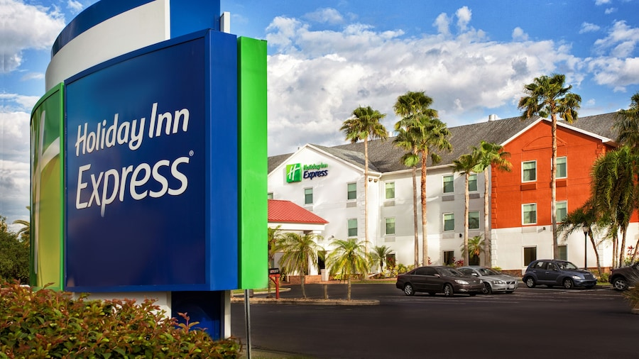 Holiday Inn Express & Suites Port Charlotte, an IHG Hotel