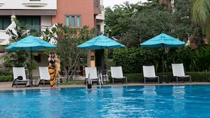 Indoor pool, 4 outdoor pools, free pool cabanas, pool umbrellas