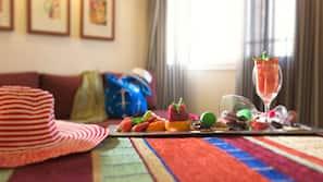 Donzen dekbedden, een kluis op de kamer, individueel gedecoreerd