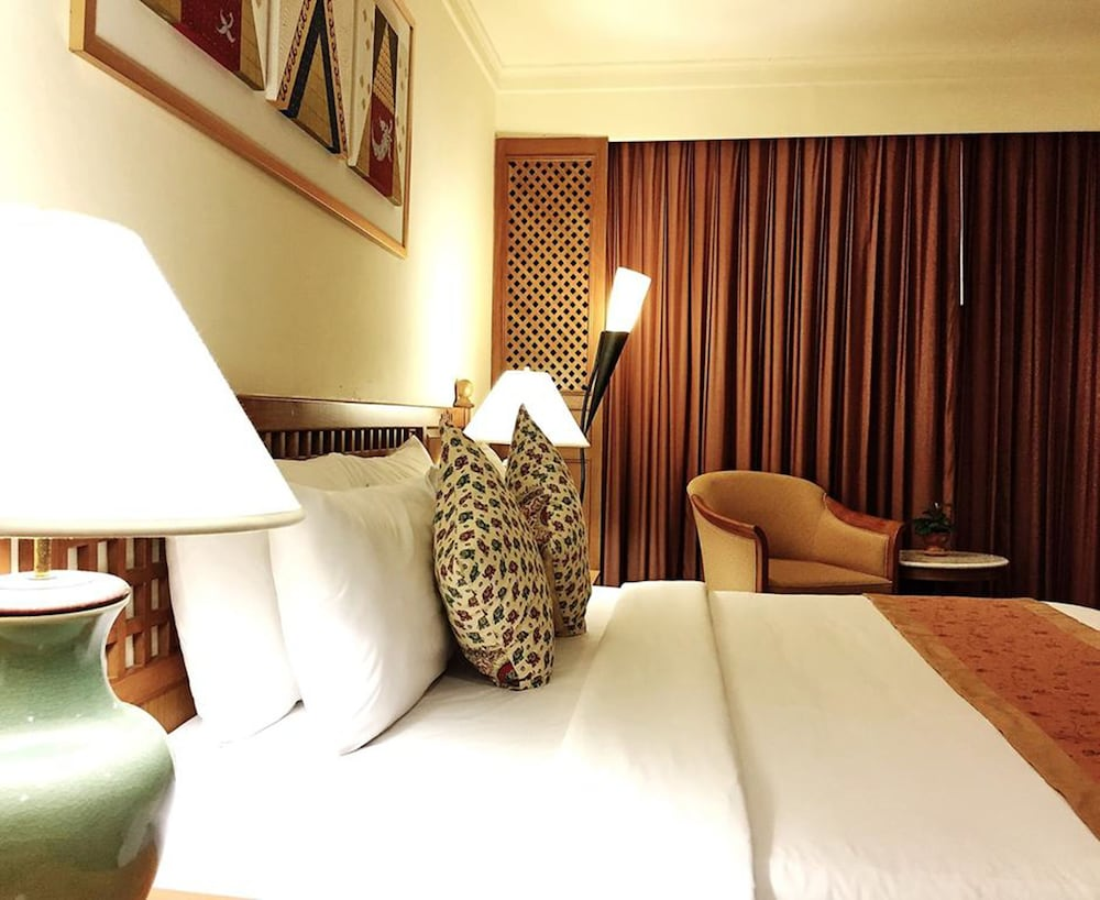 Silom Serene Hotel In Bangkok Hotel Rates Amp Reviews On