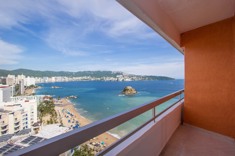 View from Room, HS HOTSSON Smart Acapulco
