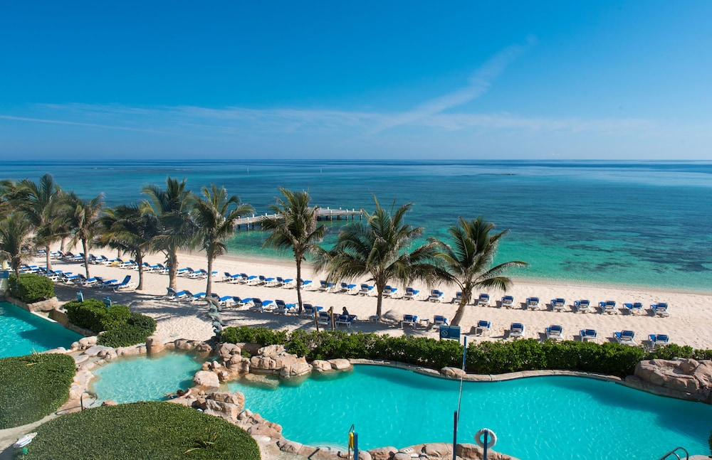 Outdoor Pool, Wyndham Reef Resort Grand Cayman