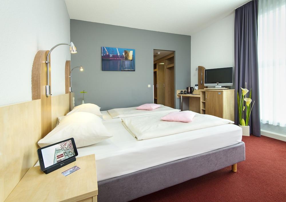 book junges hotel hamburg hamburg hotel deals. Black Bedroom Furniture Sets. Home Design Ideas