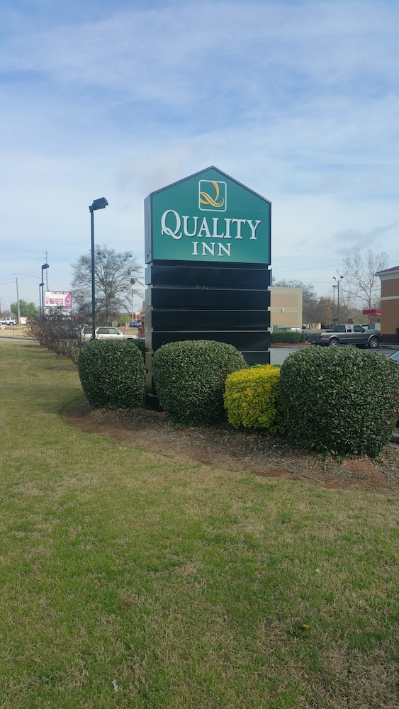 Property Grounds, Quality Inn Loganville US Highway 78