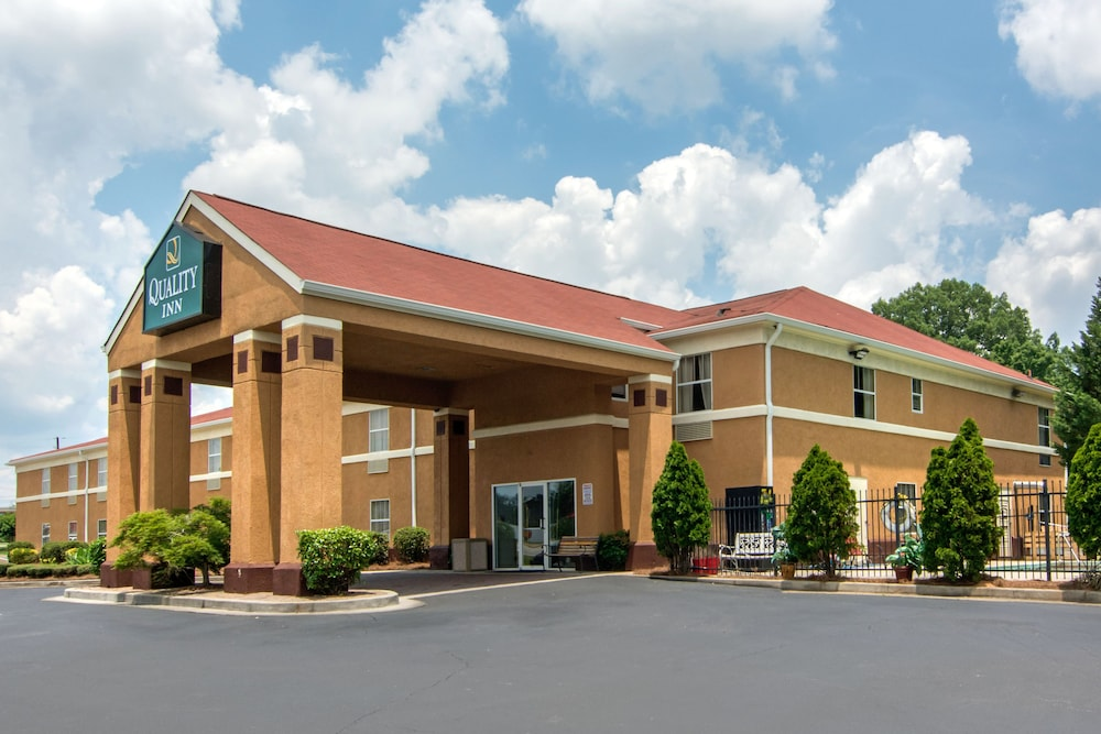 Property Entrance, Quality Inn Loganville US Highway 78