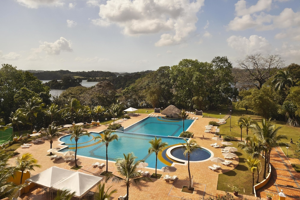 Outdoor Pool, Melia Panama Canal