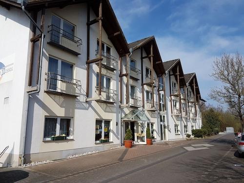 visit oranienstein castle in diez expedia. Black Bedroom Furniture Sets. Home Design Ideas