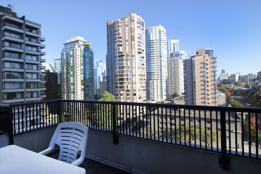 View from Room, Riviera on Robson Suites Hotel Downtown Vancouver