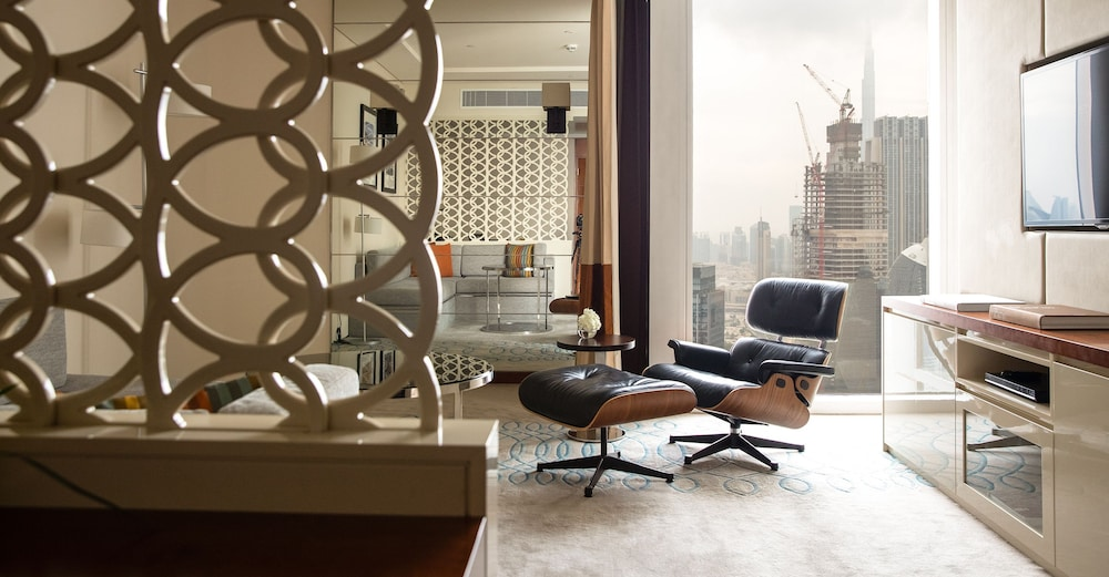Living Room, Jumeirah Emirates Towers