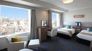 Premium bedding, in-room safe, desk, blackout curtains