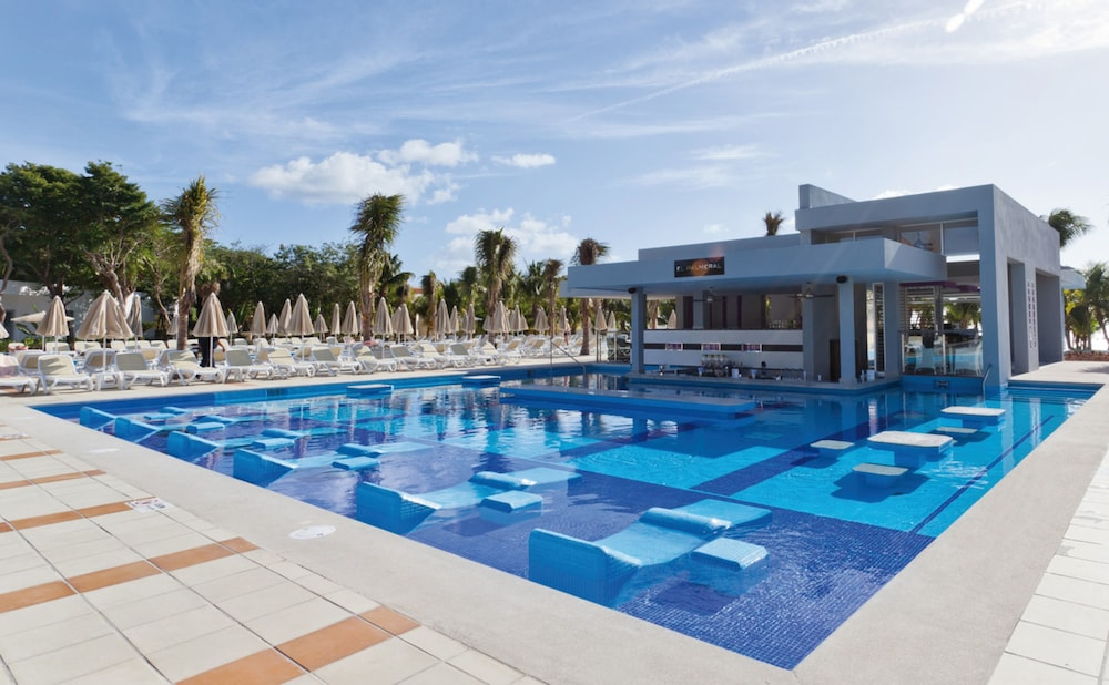 Outdoor Pool, Riu Palace Mexico All Inclusive