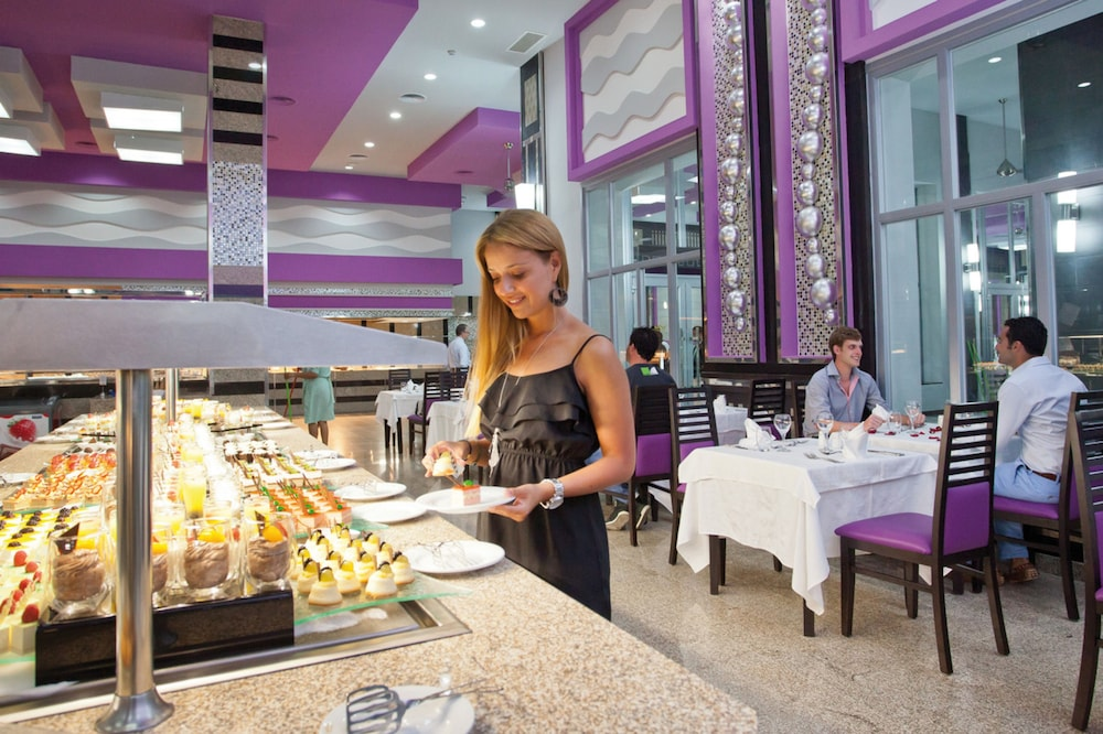 Buffet, Riu Palace Mexico All Inclusive