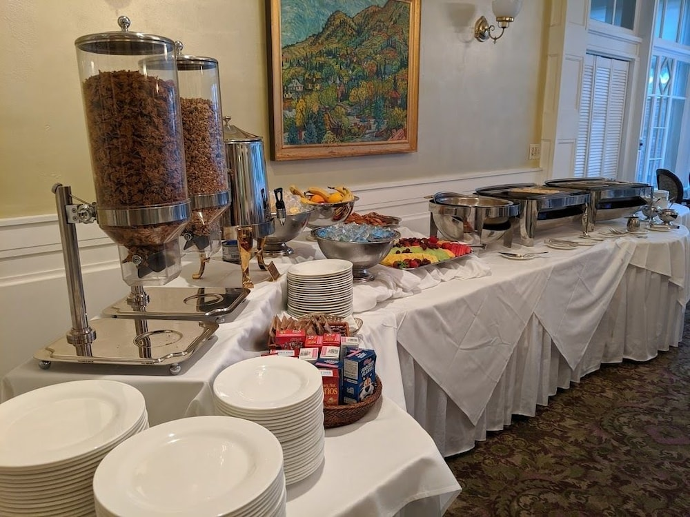 Breakfast buffet, Cliff House at Pikes Peak