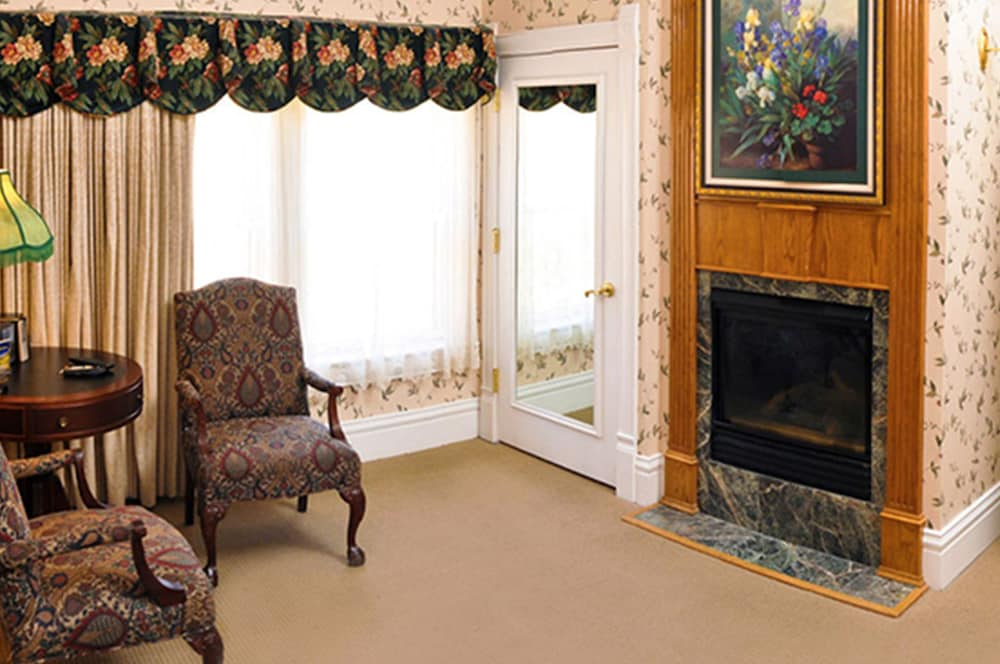 Living Area, Cliff House at Pikes Peak