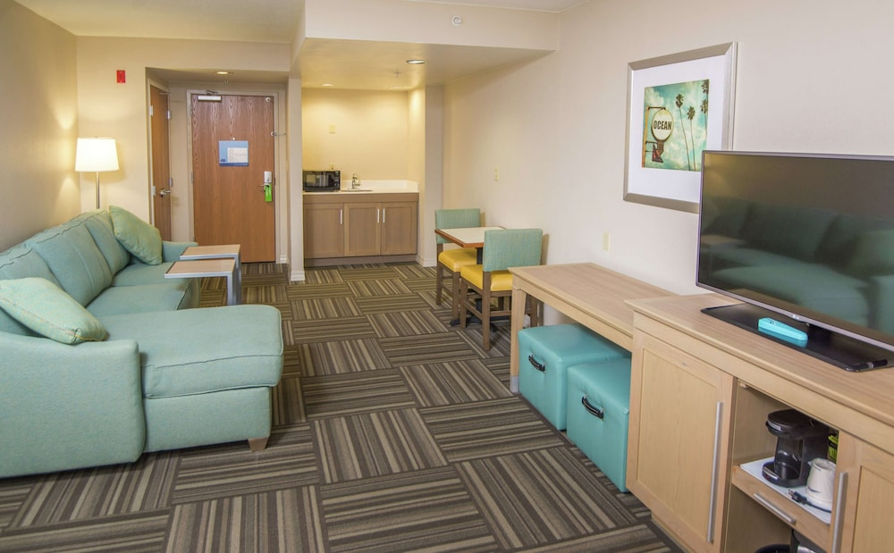 Living Area, Hampton Inn Jacksonville South/I-95 at JTB