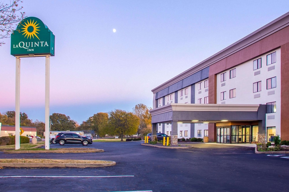 Exterior, La Quinta Inn by Wyndham St. Louis Hazelwood - Airport North