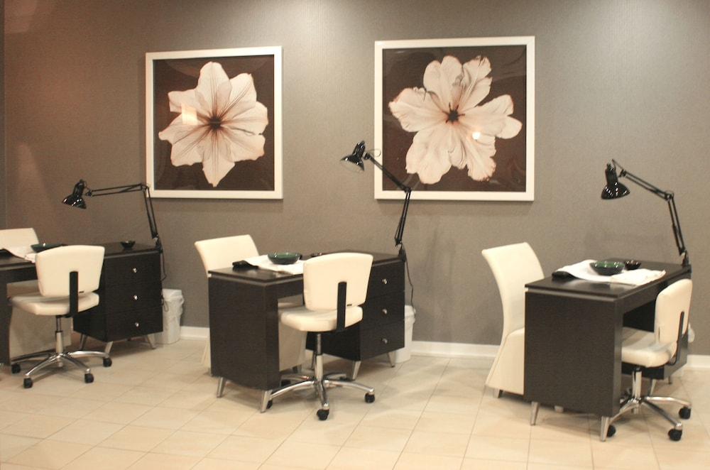 Nail Salon, Abbey Resort and Avani Spa