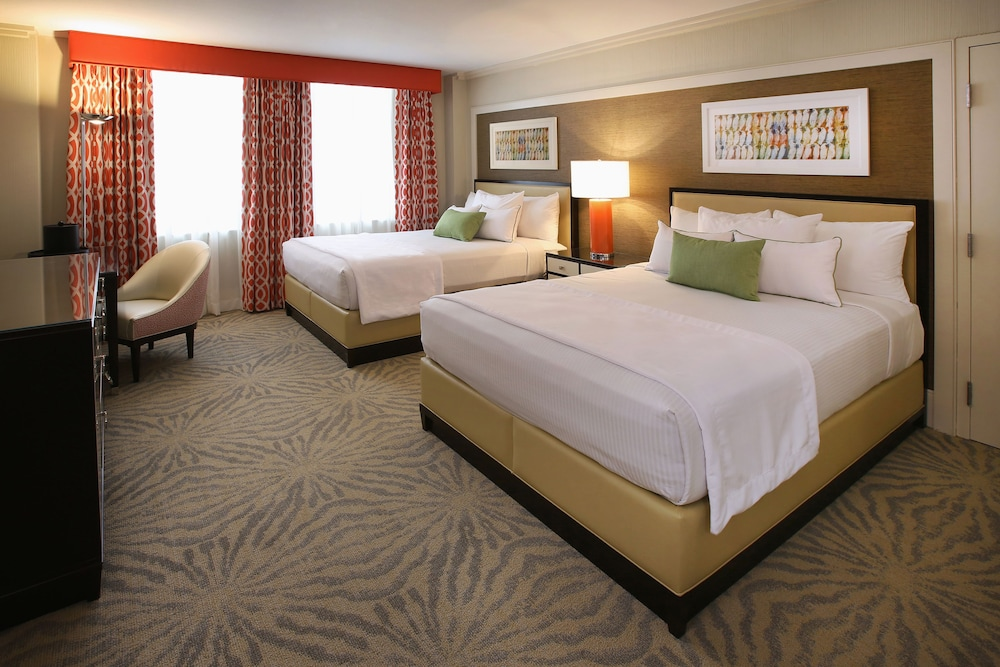 Holiday Inn  Norwich CT Hotel near Mohegan Sun Casino