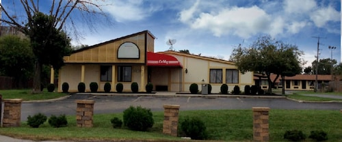 Great Place to stay Amerivu Inn and Suites near Columbus