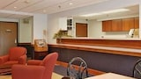 Super 8 Manchester Airport - Manchester Hotels
