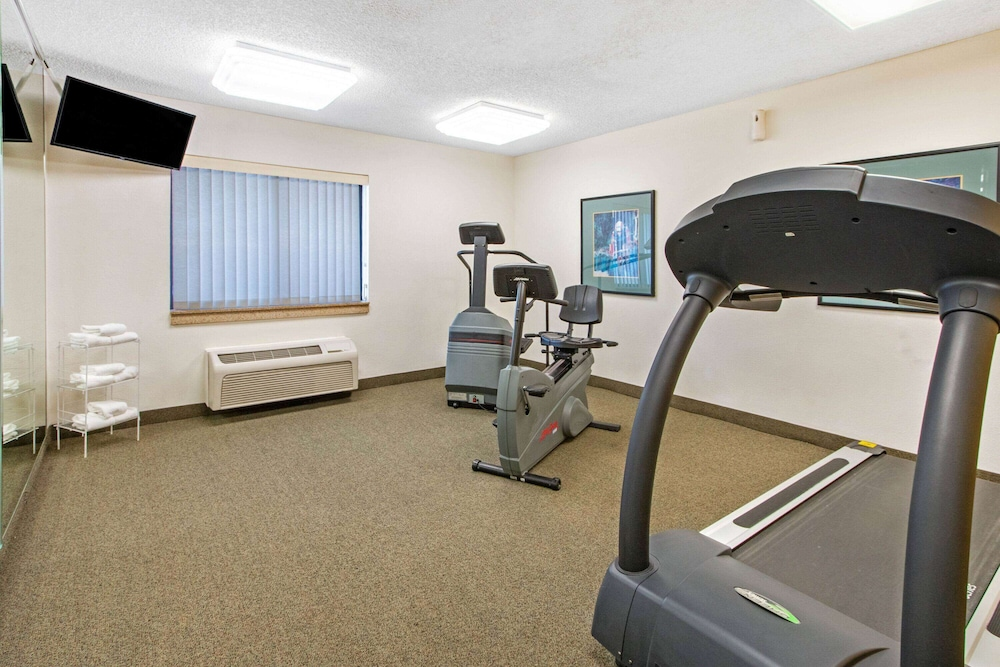Fitness Facility, La Quinta Inn & Suites by Wyndham Albuquerque Journal Ctr NW